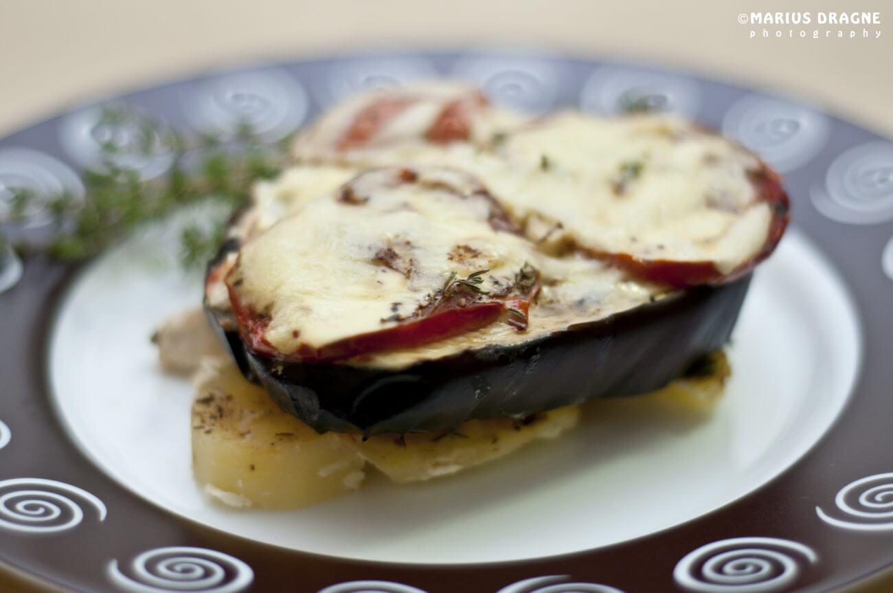 Asubana – musaca din pui si legume fripte