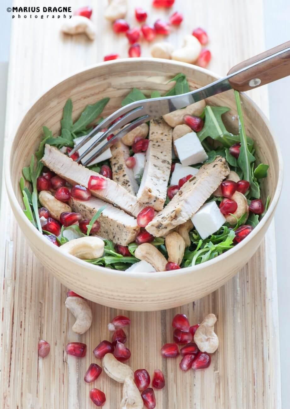 Salata de curcan cu rucola si rodie