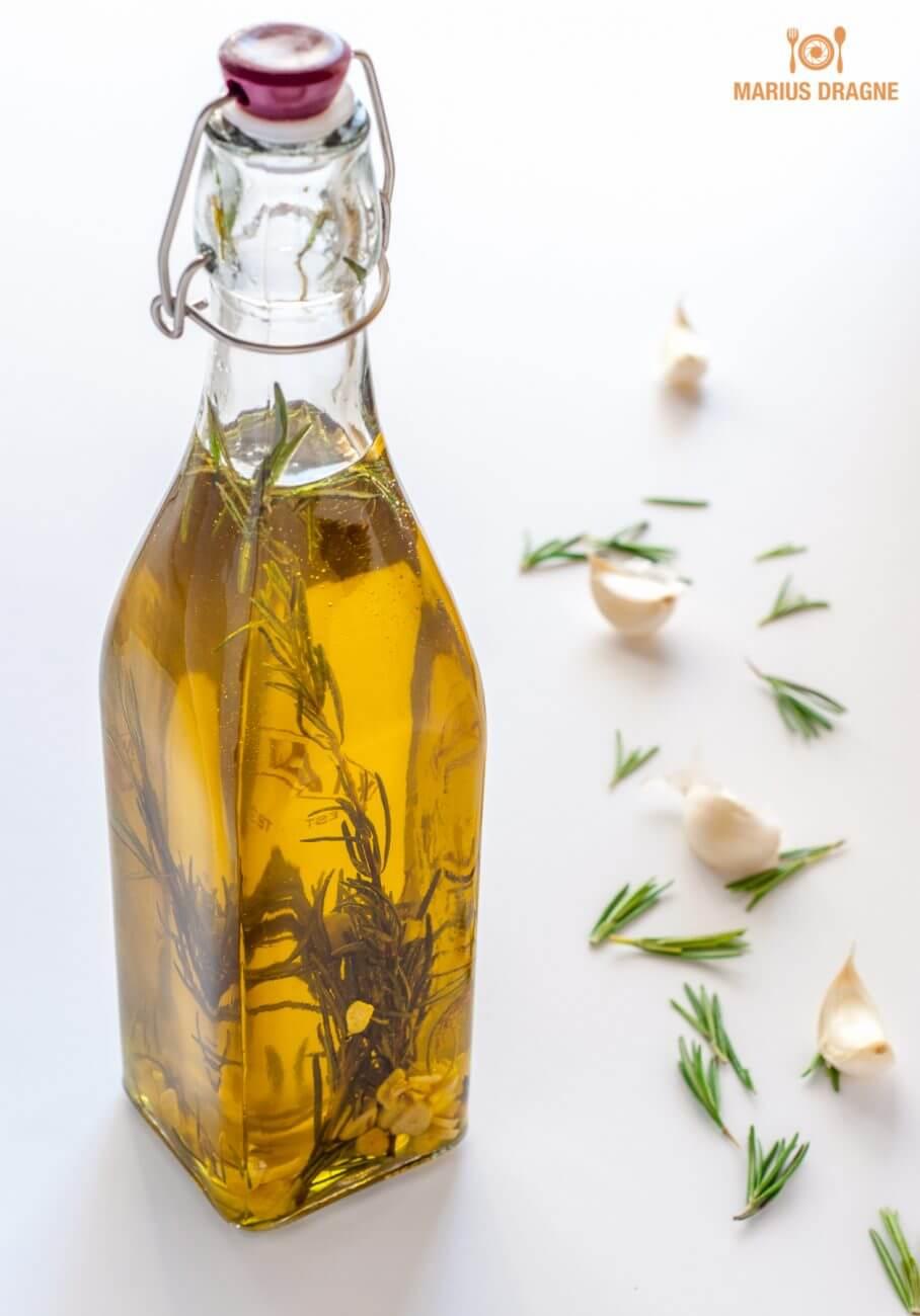 Ulei de masline aromat cu usturoi si rozmarin