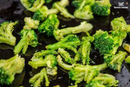 Pizza cu broccoli si rosii uscate