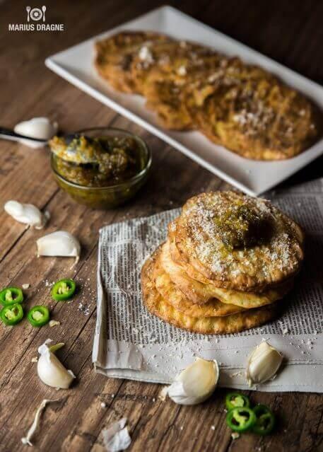 Chiftelute la cuptor cu zucchini si gem de ardei iute
