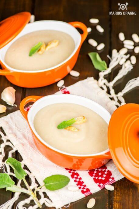 Supa crema de fasole cu usturoi copt la Slow Cooker Crock-Pot – de post