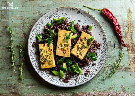 Tofu marinat si orez salbatic