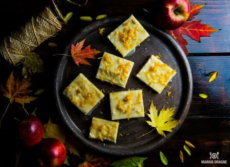 Prajitura cu mere si glazura de portocale