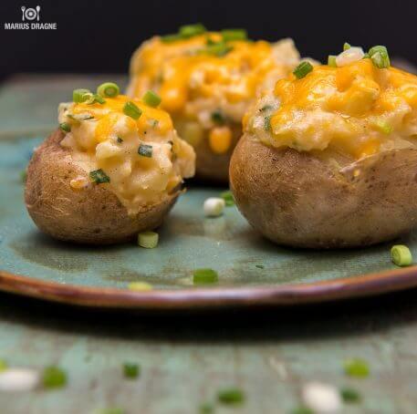 Sufleu de cartofi cu Cheddar