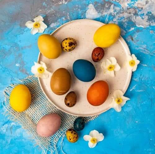 Cum vopsim natural ouale pentru Paste