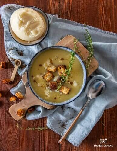 Supa de chimen cu branza de burduf si crutoane