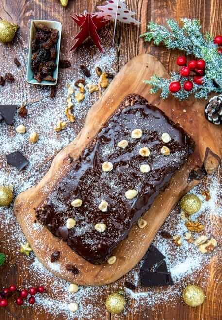 Salam de biscuiti cu ciocolata si mix de nuci
