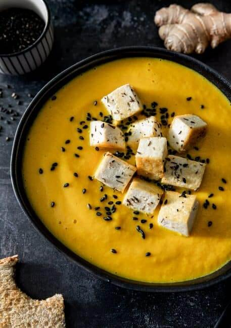 Supa crema de morcovi cu ghimbir si cocos