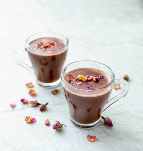 Cacao cu lapte de cocos si trandafiri